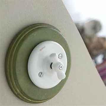 Mecanismos Electricos Fontini Colonial de porcelana para empotrar